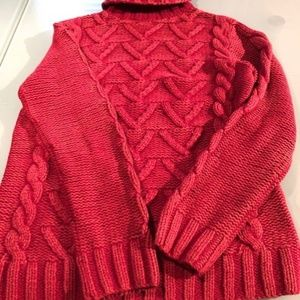 525 America muted red comfy sweater like new